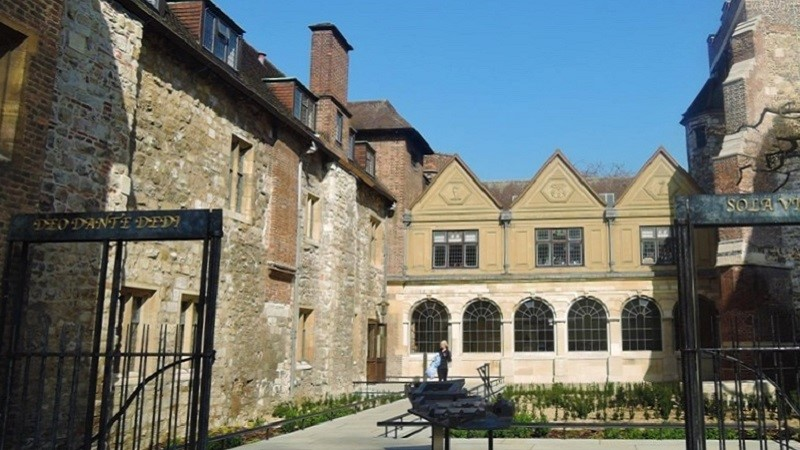 Photo of The Charterhouse.