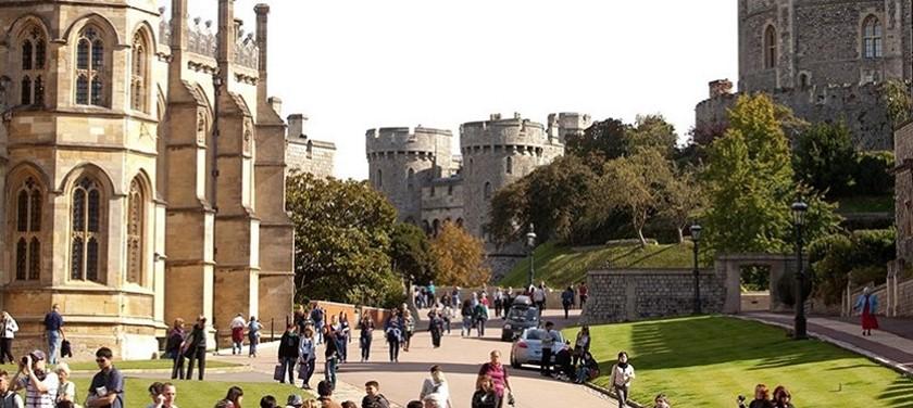 A photo of Windsor Castle.