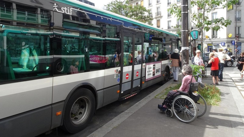 Photo of a RATP bus.