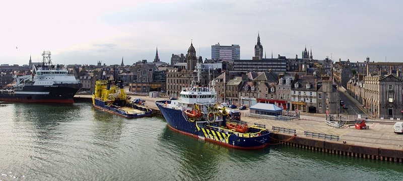 A photo of the Aberdeen harbour.