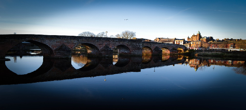 Photo of the bridge at Dumfries.