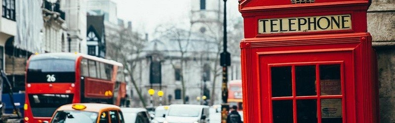 Photo of a red phone box.