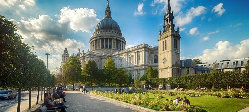 Photo of St Paul's Cathedral in London.