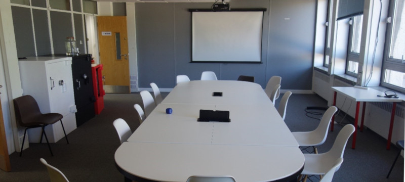 Photo of the meeting room.