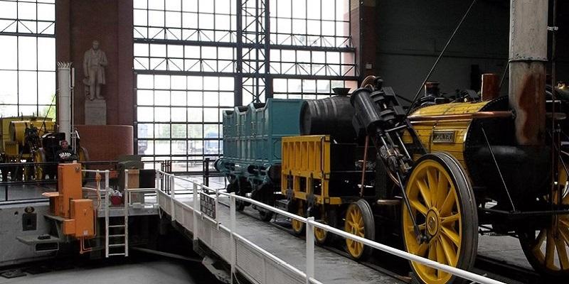 Photo of a locomotive.