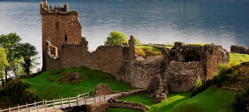 Photo of Urquhart Castle.