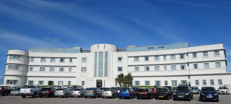 Photo of the Midland Hotel.